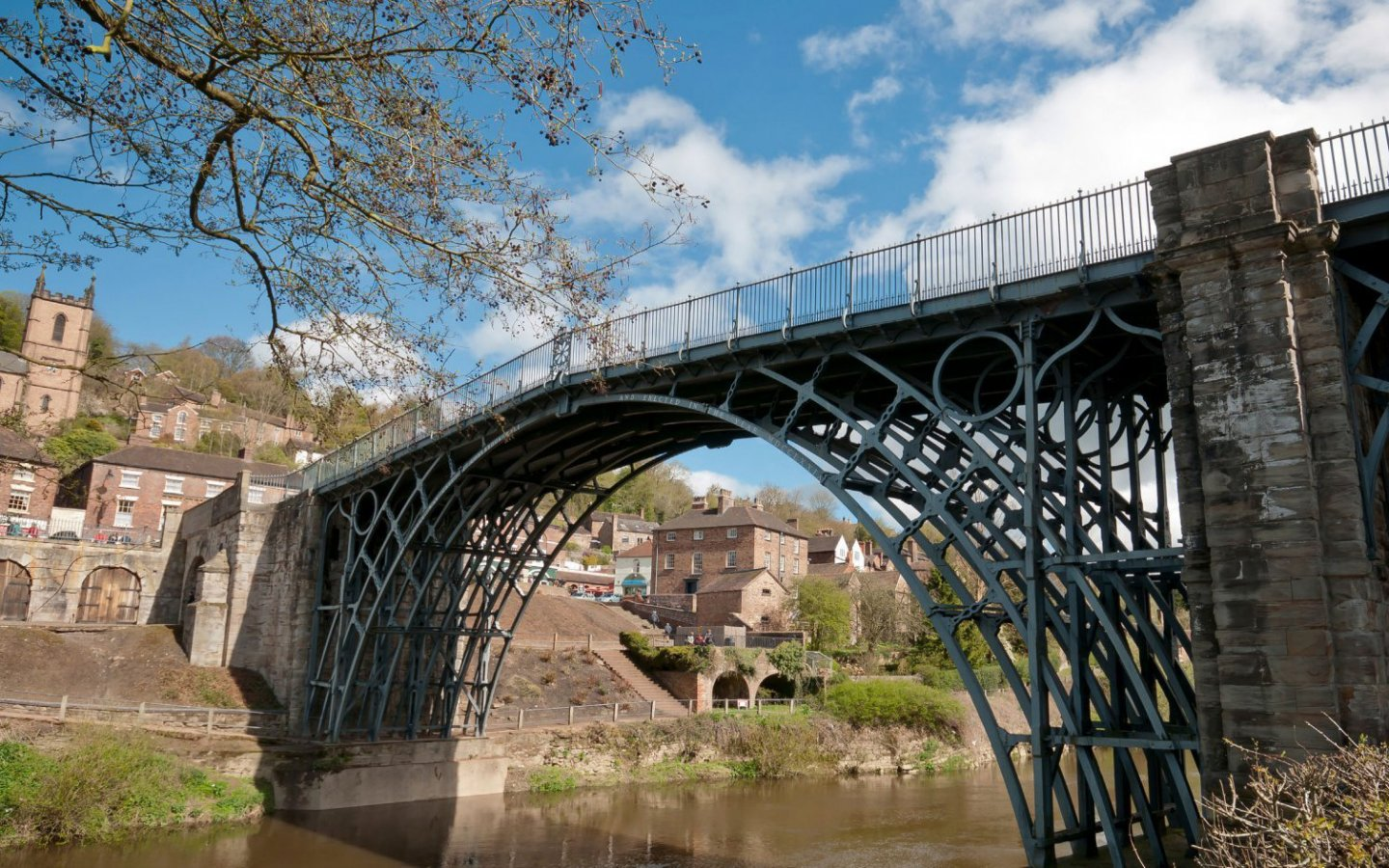 Figure 1 The Iron Bridge, Shropshire, England, 1779. (Photo credit: Flickr by Bs0u10e0)
